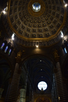 The main nave of the Duomo and the lantern